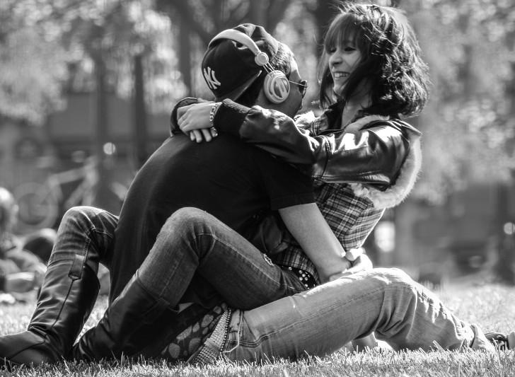 pareja informada, pareja feliz